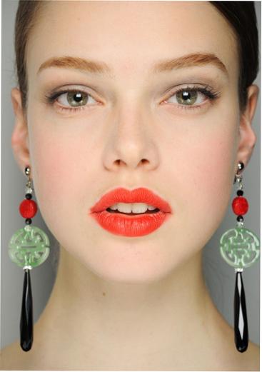 Как сделать модный летний макияж с акцентом на губы