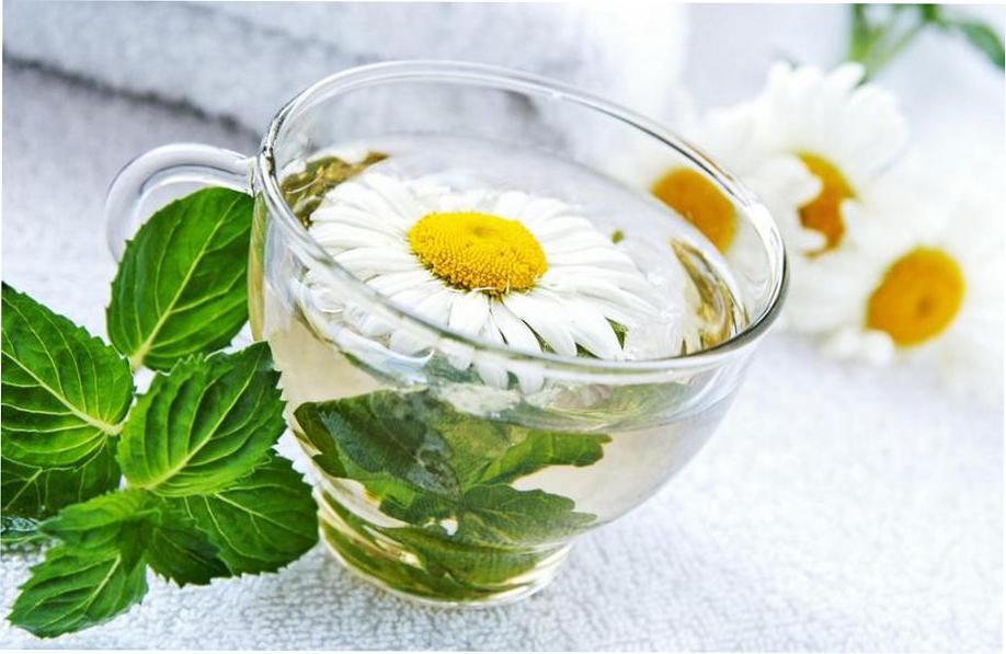 Рецепты масок с цветочным эфиром