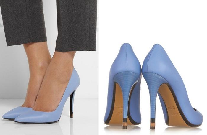 C чем носить голубые туфли