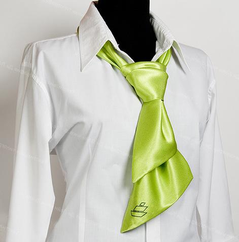 Шейные платки: основная деталь стильного образа