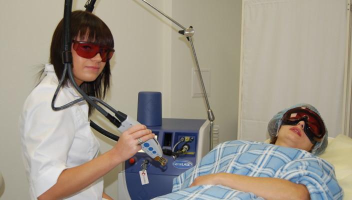 Лазерная эпиляция волос очень болезненна?
