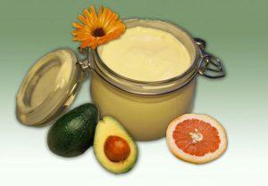 Эфирные масла и витамины для ухода