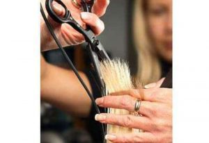 Что нельзя делать, если волосы секутся