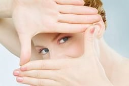 Средства для кожи вокруг глаз: обзор самых популярных кремов
