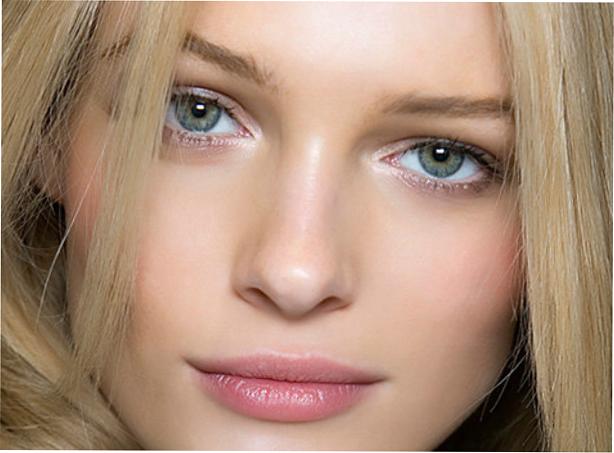 Как использовать стробинг в макияже