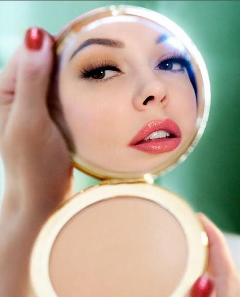 Как недостатки превратить в достоинства: правильный макияж лица