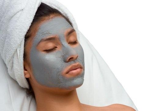 Как выглядеть моложе своих лет: маски с косметической глиной
