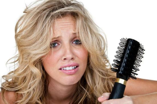 Сильное выпадение волос: причины реальные и распространенные мифы