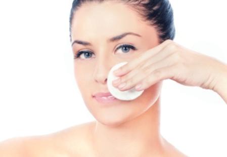 Средства для очищения кожи лица: правила чистой кожи