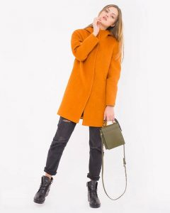 Женское пальто реглан – на пике моды (обзор)