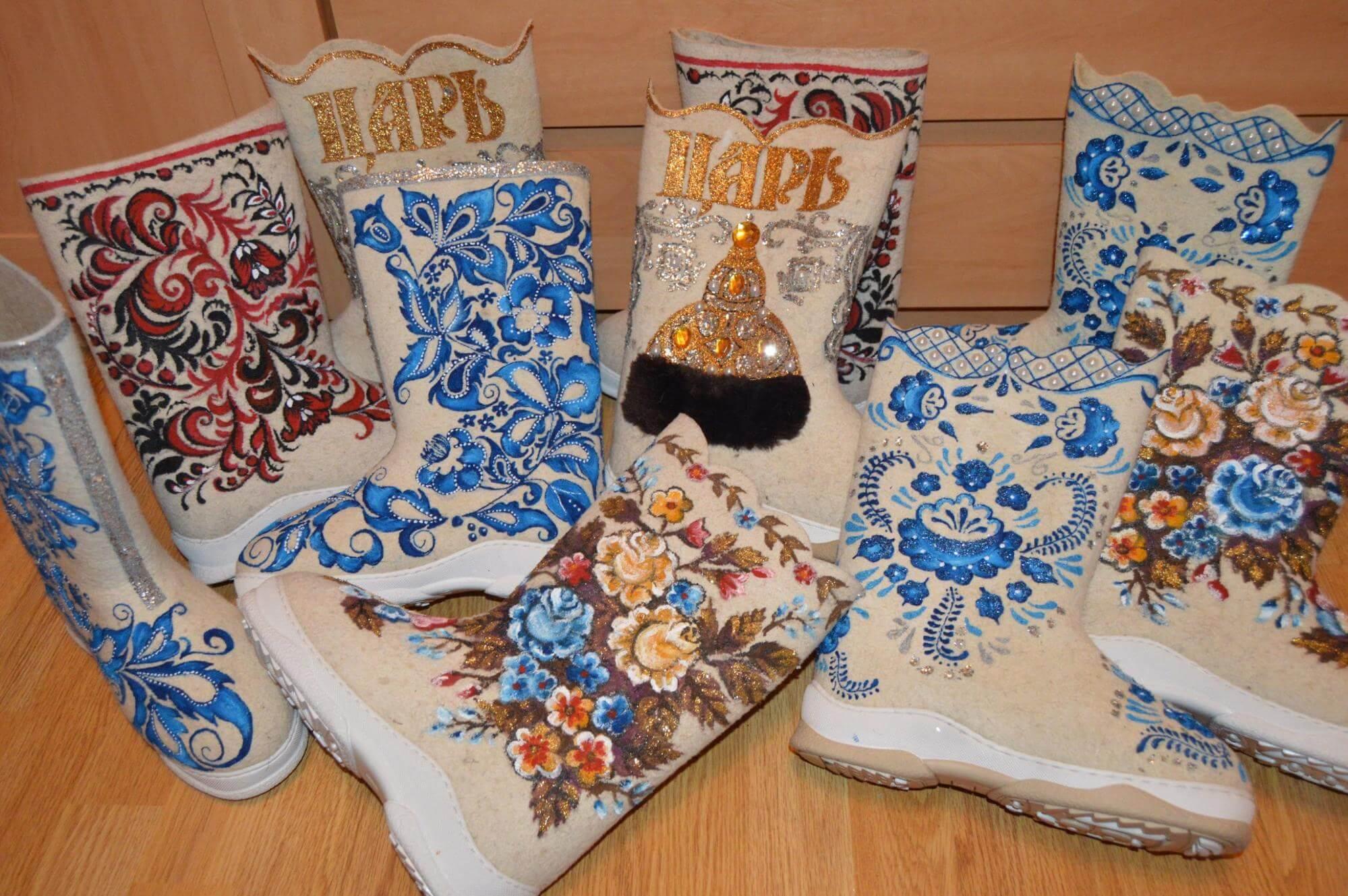 Белые валенки – обувь из натуральной шерсти (обзор)
