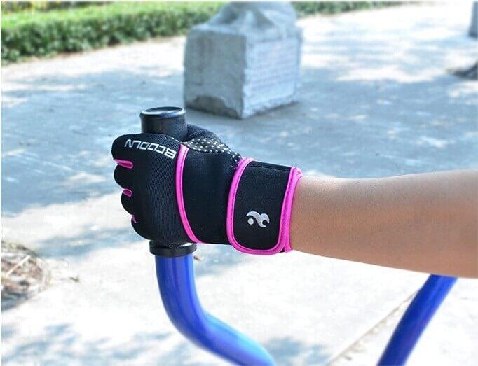 Перчатки для силовых упражнений