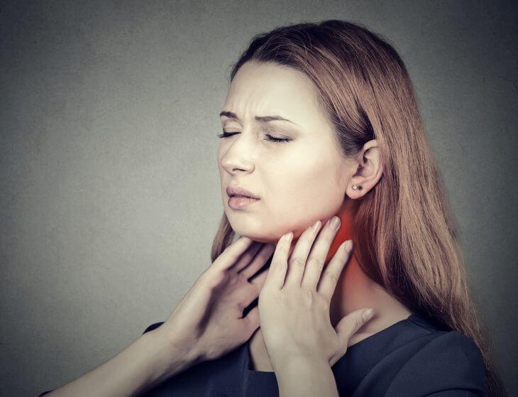 Фарингит: что делать, когда сушит горло и першит?