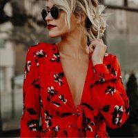 Красная блузка в гардеробе - это всегда в тренде! (обзор)