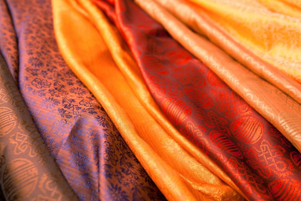 Ода женскому платью: разнообразие фасонов, особенности материалов и рекомендации по выбору